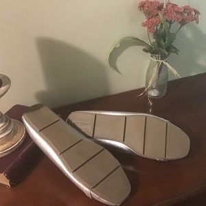 Christian Siriano Shoes - Metallic silver flats by Christian Siriano